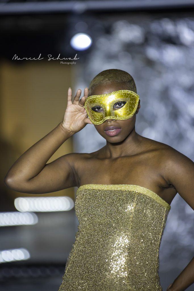 Gold evening dress SS2021